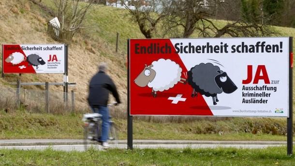 Популистка инициатива в Швейцария – чужденците вън?