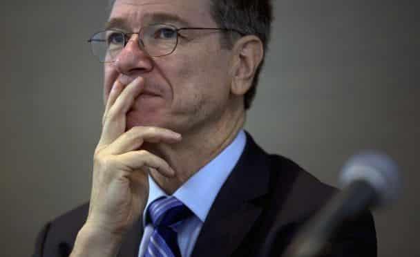 Джефри Сакс: САЩ предизвикаха бежанската криза с помощта на Рияд и Анкара