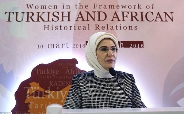 Полемика около жените в Османския харем