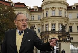 Почина Ханс-Дитрих Геншер /1927 – 2016/