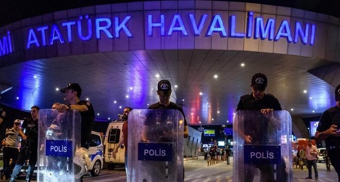 Истанбул: Турското правителство предполага, че милицията на ИД седи зад атентата