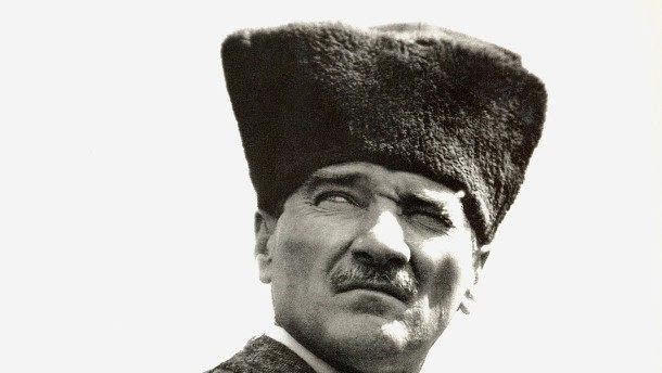ЦРУ клати властта на Ердоган чрез Гюлен – той действа и у нас
