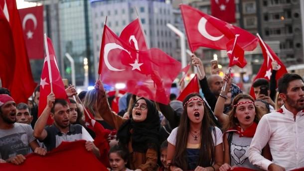 Nach dem Putschversuch: Türkisches Parlament soll über Todesstrafe entscheiden