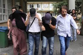 60 000 души: кого засегнаха репресиите в Турция? В една снимка.