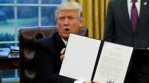 Тръмп оттегли САЩ от ТРР