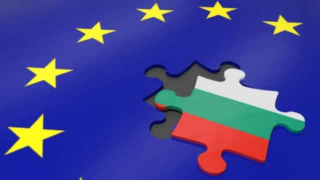 Каква трябва да бъде външната политика на новия български президент?